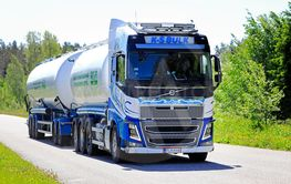 Volvo FH16 Tank Truck on the Road