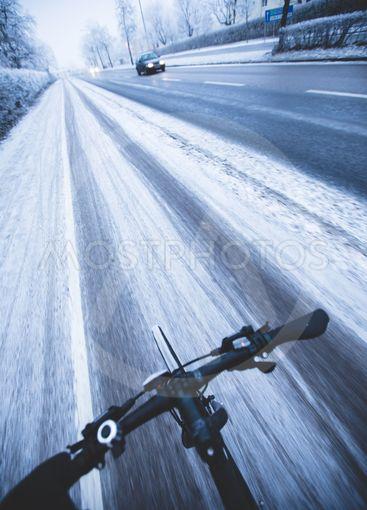 snabbcyklist vid vinterväglag