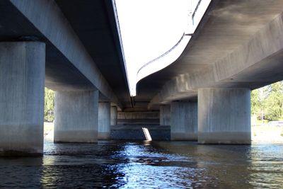 Under broar