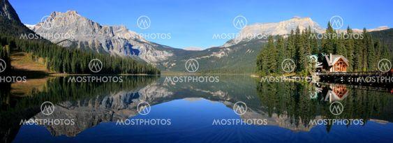 Panorama of Emerald Lake, Yoho National Park, British...
