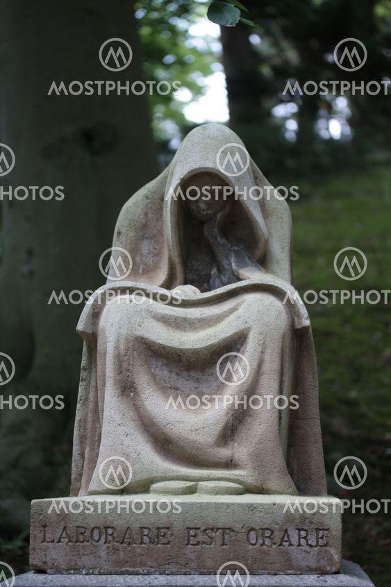 vakava ornamentti / Latinalaisen tekstin toimi on rukoilla
