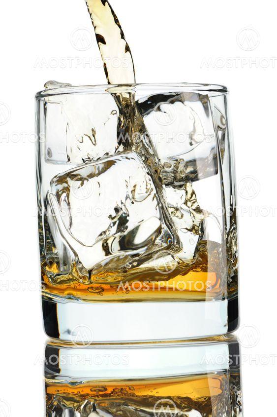 Hælde whisky