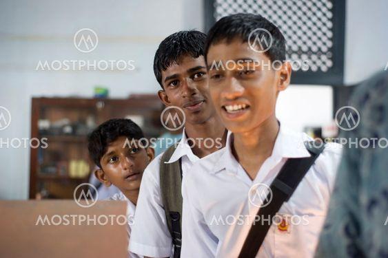 Sri Lankan oppilaiden