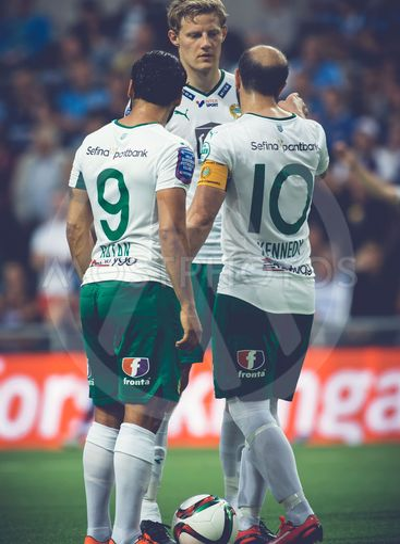 Kennedy Bakircioglu talks with the players the soccer...