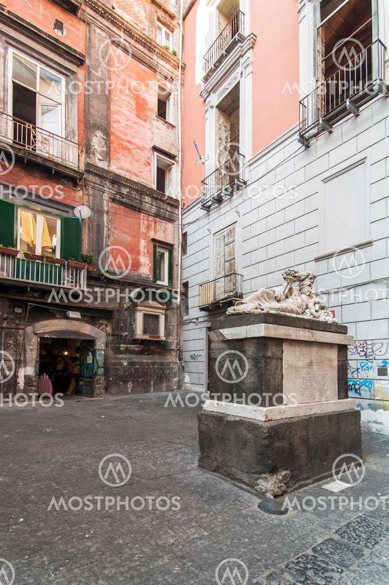 Largo Corpo di Napoli
