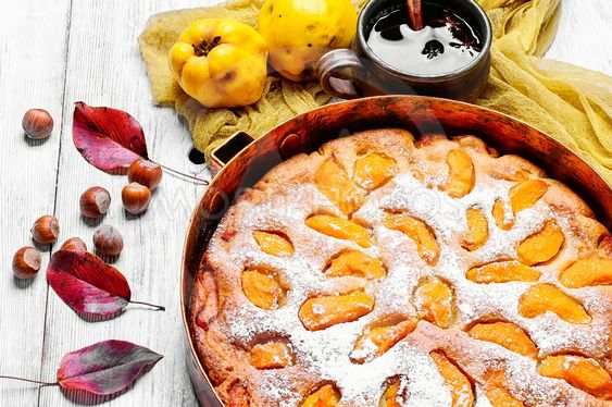 baked pie with quince