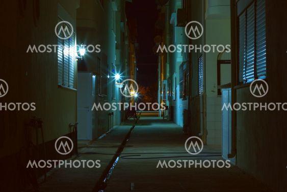Mørke alley natten