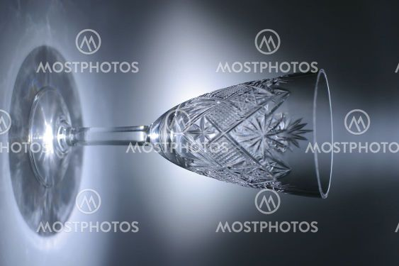 Transparent glass with light circle