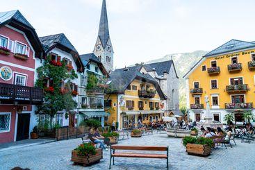 HALLSTATT, AUSTRIA - 29 AUGUST 2018: Town square in...