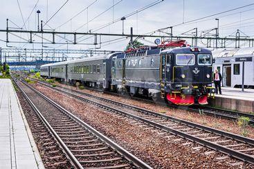 SJ InterCity-tåg i Hallsberg