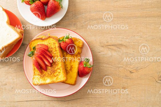 french toast with fresh strawberry