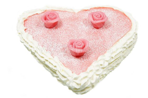 Valentine cake heart formed