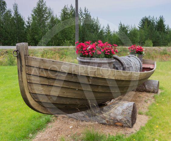 Kukkaistutus veneessä