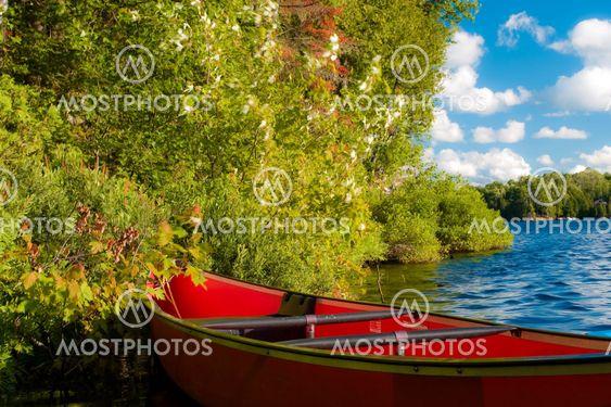 Röd kanot
