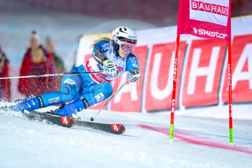 Nina Loeseth (NOR) at the FIS Parallel slalom city event...