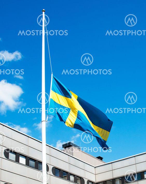 """Sorgflaggning - """"flaggning på halv stång"""""""