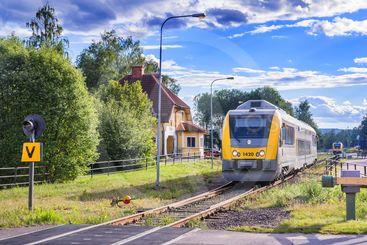Tåg i Torsby på Fryksdalsbanan Kil-Torsby en sommardag