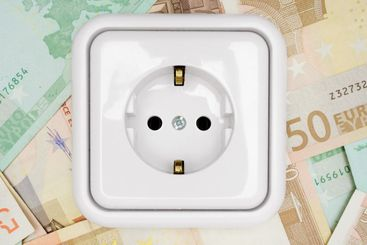 Power Socket on Banknotes