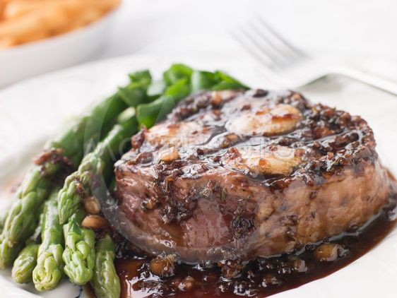 Fillet of Beef Bordelaise with Asparagus Spears and Saut...