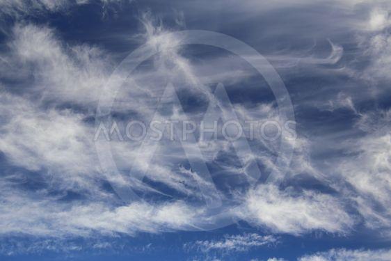 Fine formations of high cirrus spissatus clouds