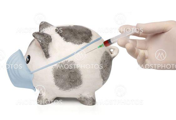 Læge indsprøjte en inficeret Sparegris