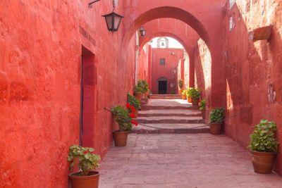 arch design of Monastery of Santa Catalina
