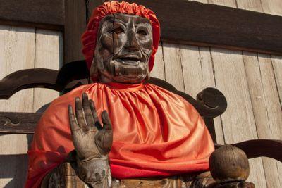 Binzuru Pindola wooden statue