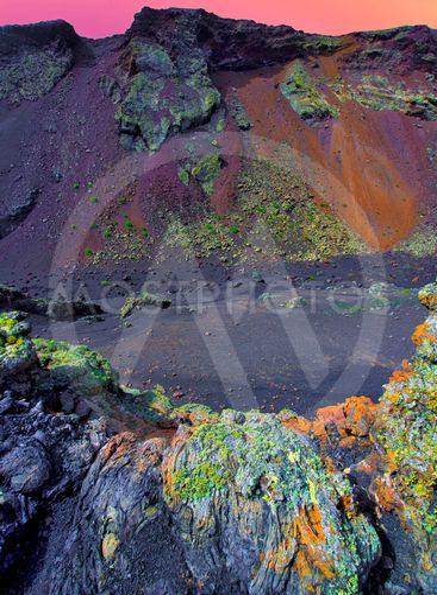 spain,canary islands,lanzarote :  montana cuervo
