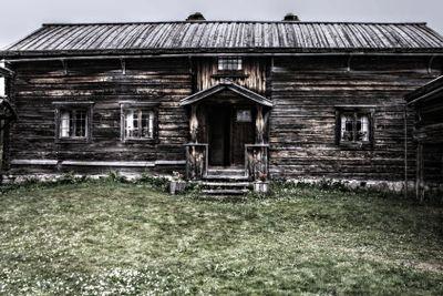 Farmhouse old style