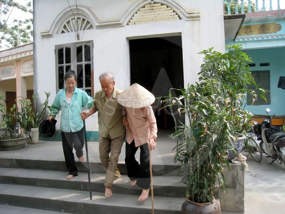 a family is victim of toxic chemical in Vietnam War