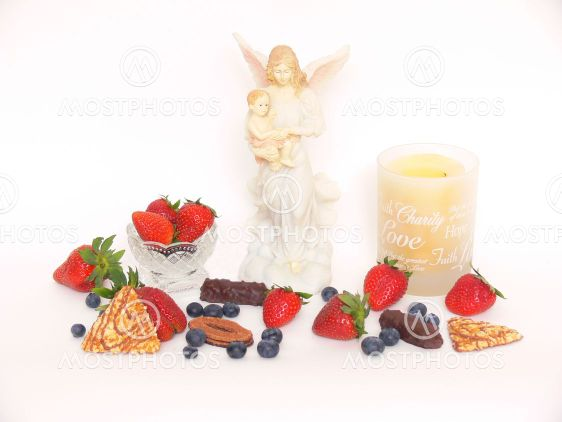 Strawberry, candles, Maria, chocolate, blueberry