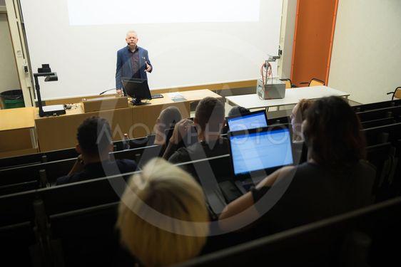 Föreläsning på universitet