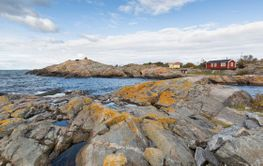 Cliffs and summer houses in Stockholm archipelago.