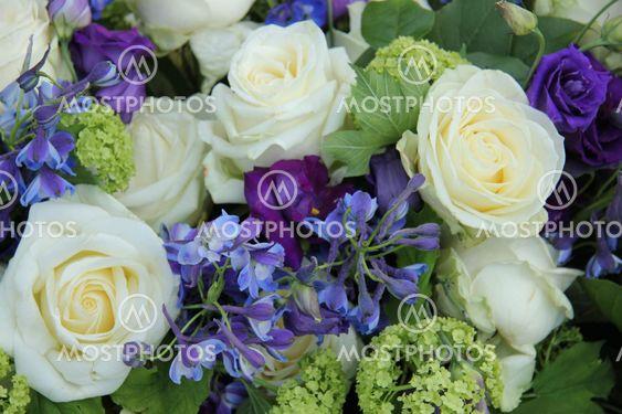 Wedding arrangement in white and blue