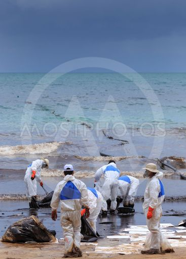 Crude oil spill cleaned up