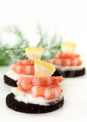 canape with shrimps