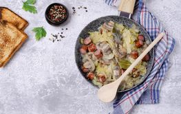 Stewed vegetables with sausages