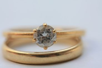 Diamond bridal set in close up
