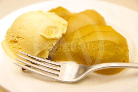 Vanilla Bean Poached Pear and Ice-cream