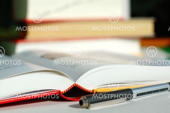 Böcker och penna