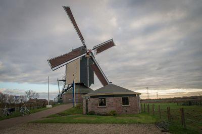Duthc windmill in Valburg (Netherlands
