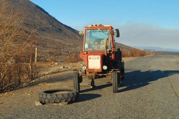 Breakage of a tractor