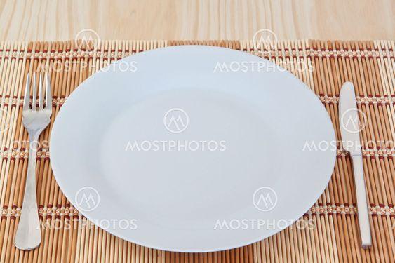 Matsal kök apparaten till slätvävt tyg. I tabellen textur.