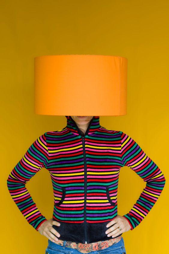 Kvinna lampa chef