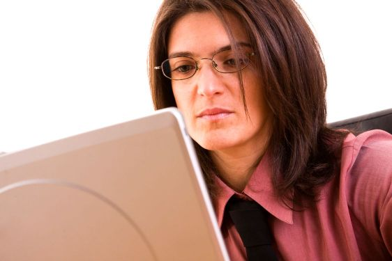 Forretningskvinde, der arbejder