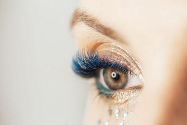 unusual makeup blue lips blue eyelashes