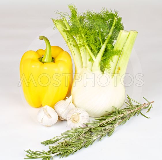 Fennel with garlik, pepper and rosemary