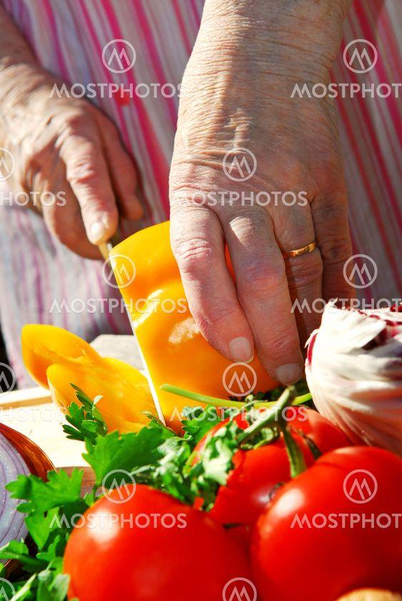 Skära grönsaker