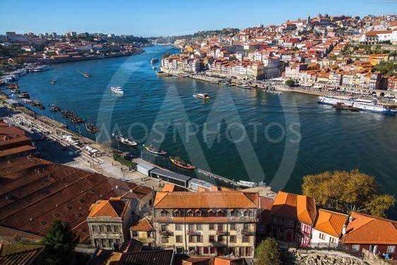 View of Douro river and Ribeira from Vila Nova de Gaia,...