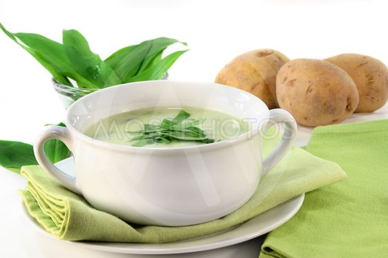 Vilde hvidløg suppe